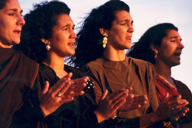Dash Café: Latcho Drom &#8211&#x3B; A Musical, Filmic Love Letter to Europe's Roma